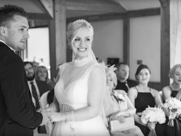 cheshire wedding photographer, sandhole oak barn