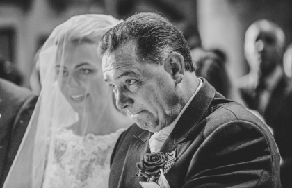 unscripted moment documentary wedding photography