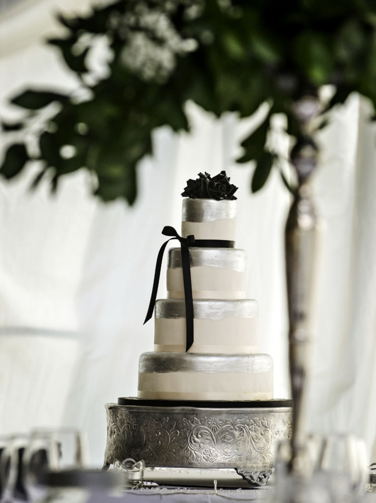 wedding cake, wedding photographer in wales