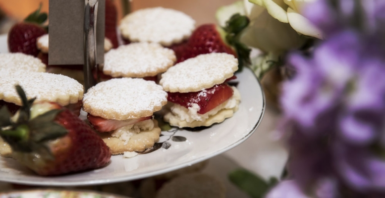 afternoon tea and cakes, cheshire wedding photographer