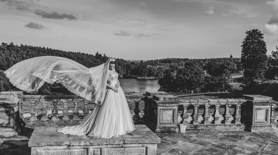 Beutiful wedding dress photography Black & White wedding photography