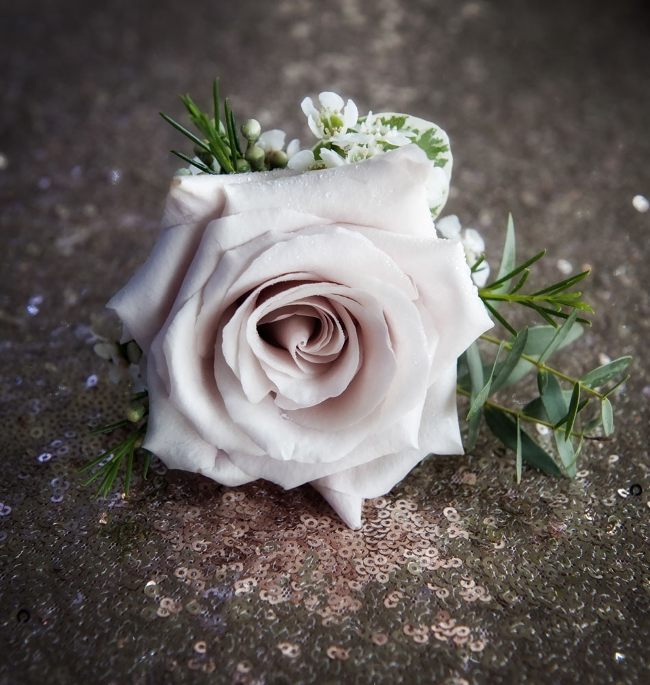 pink buttonhole, staffordshire wedding photographer, alrewas hayes weddings